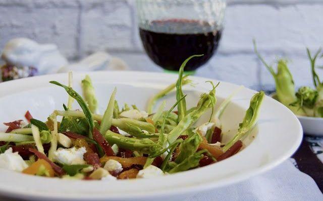 Un ingrediente classico, ma usato in un modo nuovo Le puntarelle, un classico della primavera! Ma alzi la mano chi le ha mangiate in un modo diverso rispetto alla classica ricetta alla romana? Ecco un'idea nuova per preparare un'insalata con la bresa #ricette #idee #primavera #food