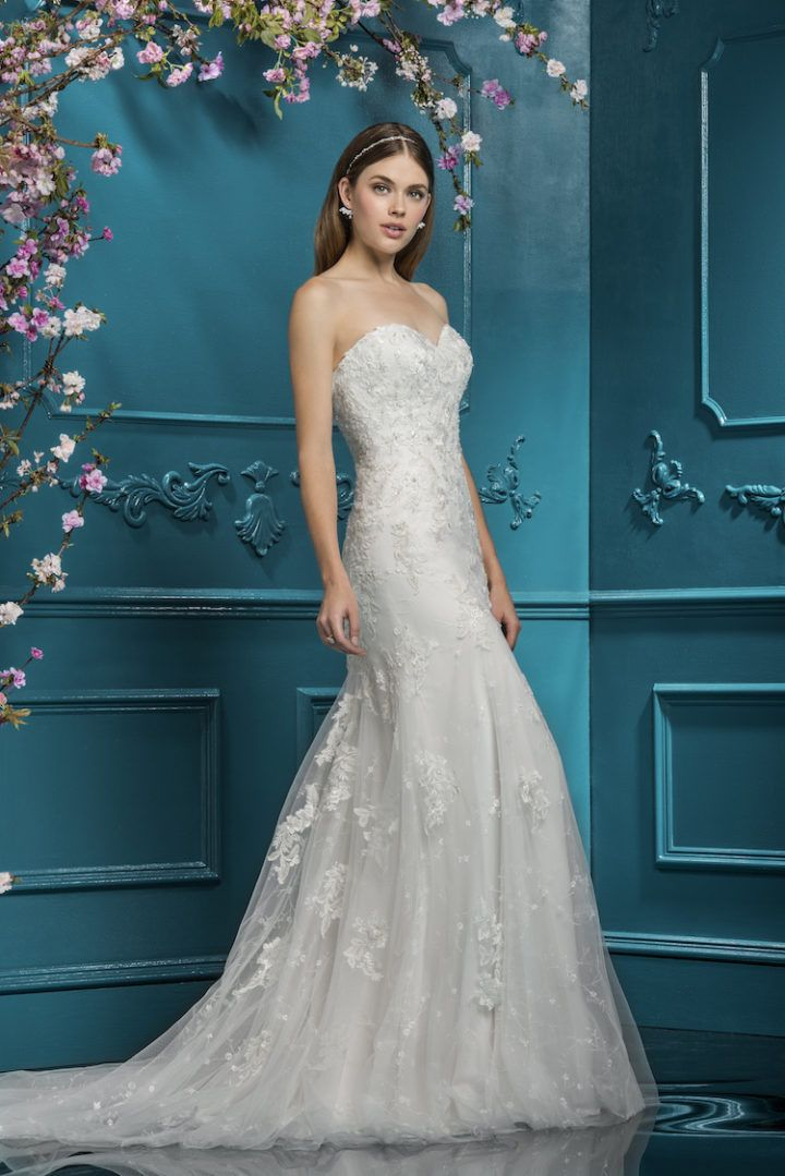 Ellis Bridals wedding dresses have been in the industry for over 100 years, so it's no secret that this brand knows how to keep it classic and chic. The Ellis Bridals Collection 2018 gives us timeless beauty with each gown, highlighting the elegance of A-lines and stunning lace detail. What stands out about these luxurious …