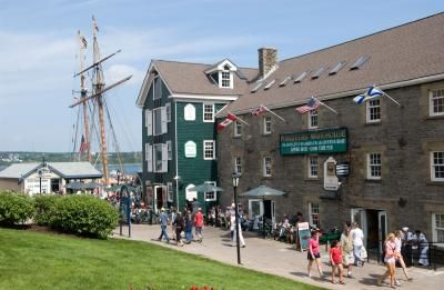 Best Places for a Pint by Destination #Halifax blogger @KD Eustaquio Humes