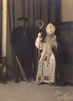 Sinterklaas en zwarte piet in de jaren 20 ( St, Nicolaas and black pete in the twenties)
