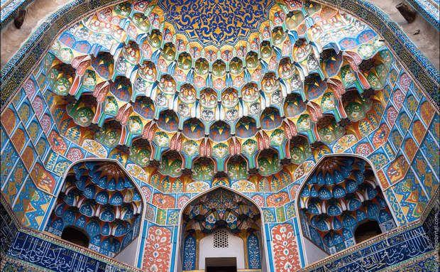 Cinco pacotes de viagem para a Ásia Central! Mesquita em Bukhara no Uzbequistão