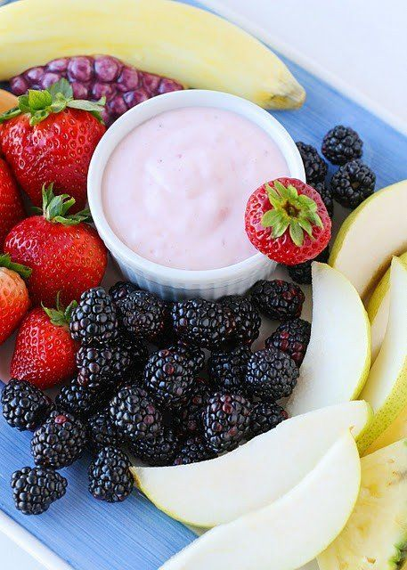 Gyümölcsök yoghurttal.