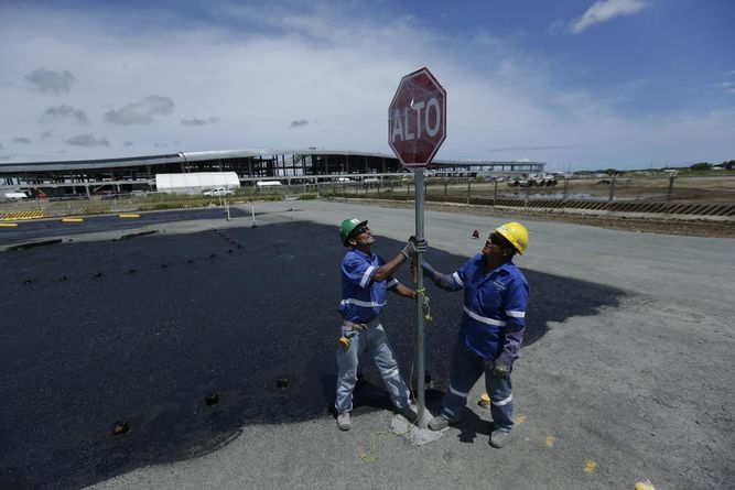 Aeropuerto de Tocumen inaugura estacionamiento gratis y nuevo acceso a través…