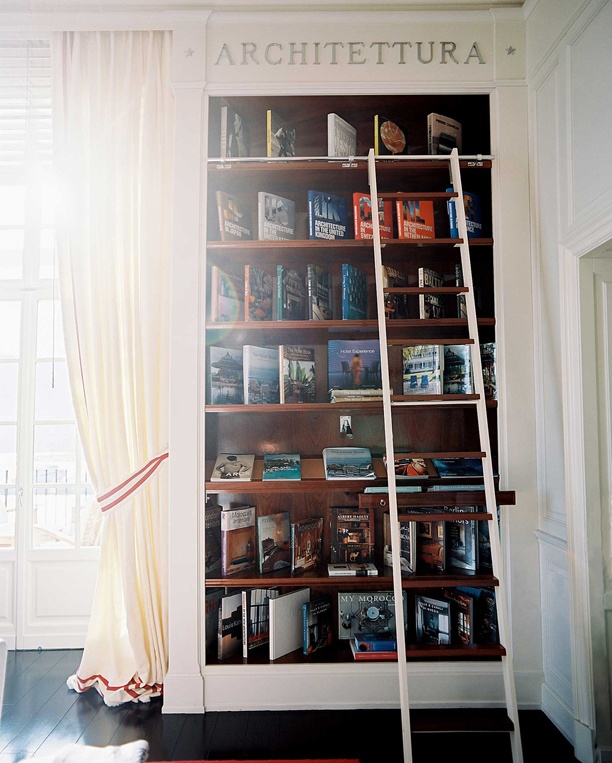Lonny Magazine Oct/Nov 2010 | Photography by Patrick Cline; Interior Design by Michele BonanBookcases Ideas, Book Display, Built In Bookcases, Bookshelf Photos, Decor Bookshelves, Interiors, Libraries Ladders, Bookshelf Ladders, Lonny Magazine