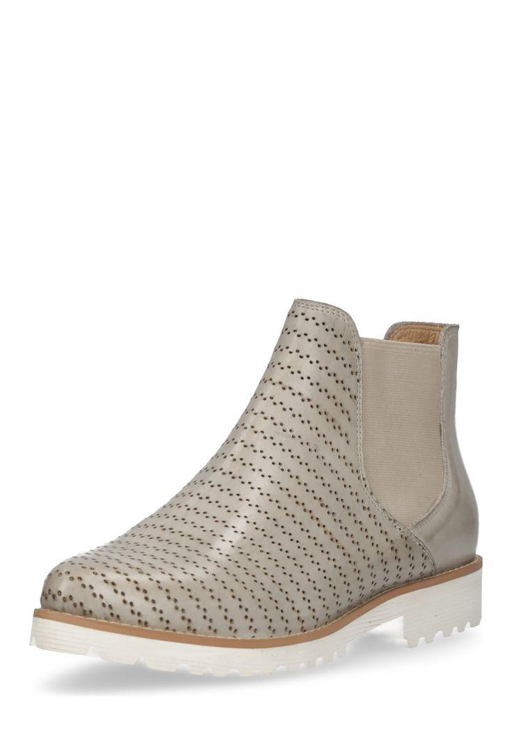 Otto Kern Chelsea-Boots, Leder, hellgrau silber Jetzt bestellen unter: https://mode.ladendirekt.de/damen/schuhe/boots/chelsea-boots/?uid=1b687b01-56a9-511d-b241-c941bfec57c5&utm_source=pinterest&utm_medium=pin&utm_campaign=boards #chelseaboots #boots #schuhe #bekleidung Bild Quelle: brands4friends.de