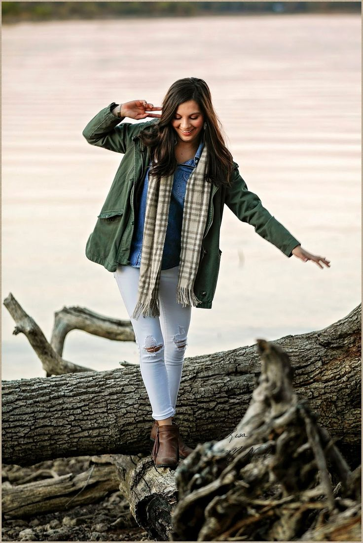 What Clothes Should I Bring for Senior Pictures? - a guide to quickly changing up your look - Senior Pictures by Lisa McNiel
