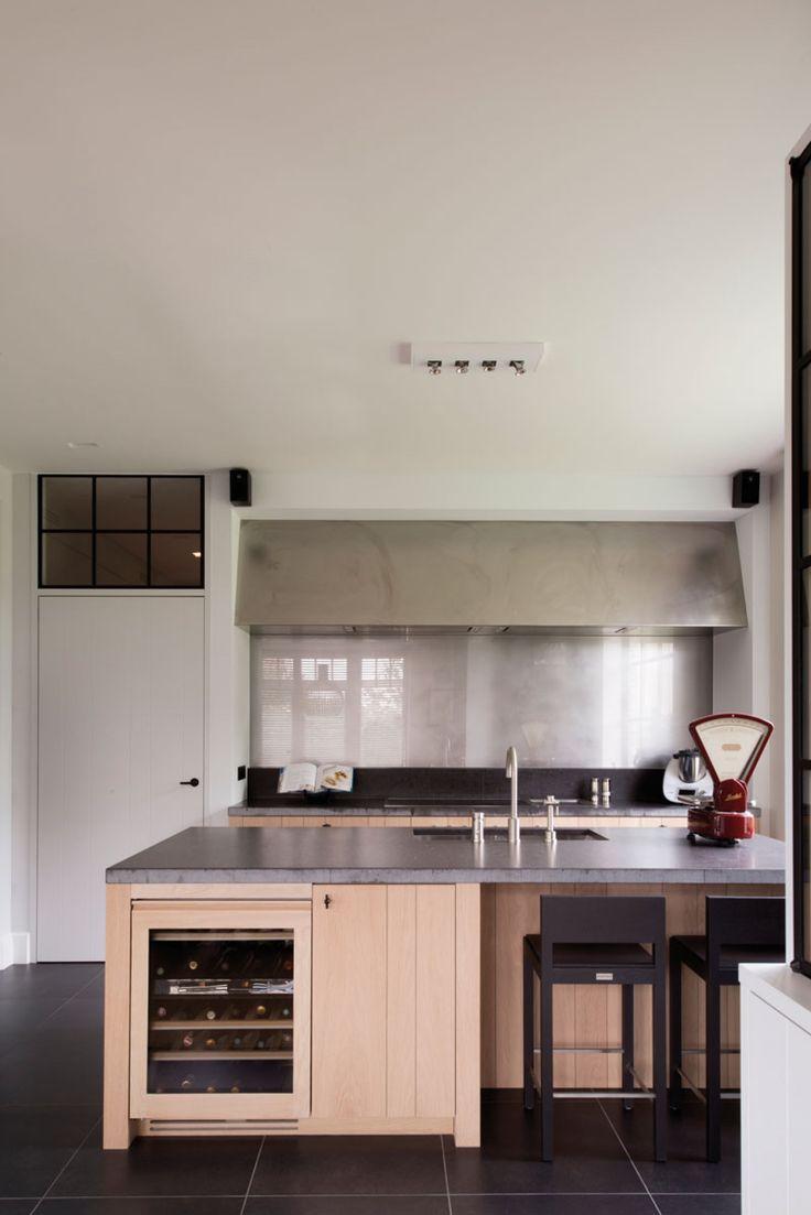 Home Sweet Home » Charmante villa in cottage stijl combineert warme materialen met een moderne toets