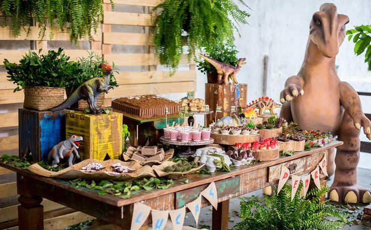 Festa infantil com o tema de dinossauros no 'Fazendo a Festa' - Fazendo a Festa - Programas - GNT