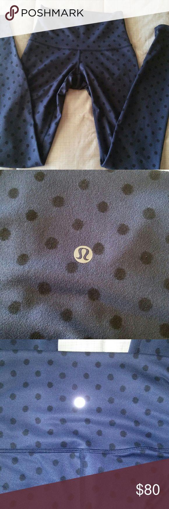 SALE 🚨Rare LULULEMON wunder under Perfect condition. No pilling, stains or holes. Size 4 Long length Mid rise lululemon athletica Pants Leggings