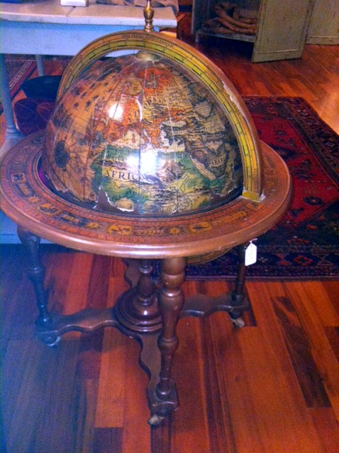 Vintage Globe Bar   I Have This One.