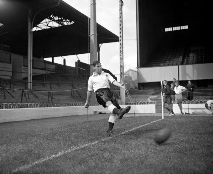 Ians Blog: Old photo's of White Hart Lane (28 pictures)
