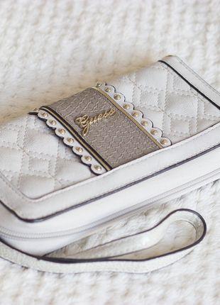 Kupuj mé předměty na #vinted http://www.vinted.cz/damske-tasky-a-batohy/penezenky/10385744-penezenka-bezova-guess