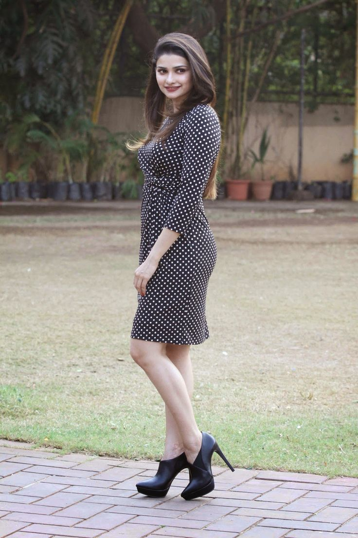 Prachi Desai Looks Super Sexy In a Black Polka Dress