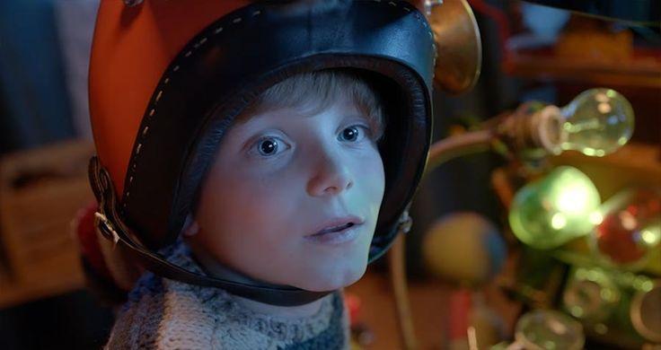 """Spot-Premiere! Wer """"Die fabelhafte Welt der Amélie"""" mochte, dürfte von diesem Kurzfilmartigen Werbespot von Milka begeistert sein. Ein tolles Stück positiver Emotion, das einen tatsächlich ein Stück näher zu diesem """"Weihnachten"""" führt, das erstaunlich nah vor der Tür steht... :) [sponsored] #einbisschenWeihnachtszauber"""