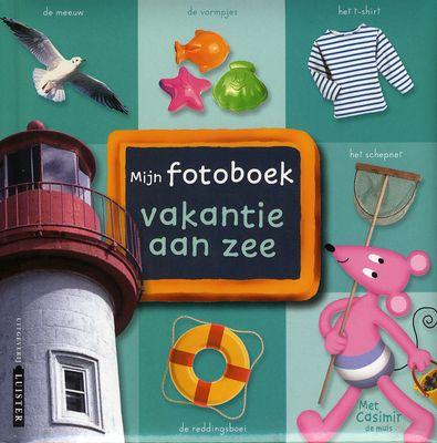 Mijn fotoboek : vakantie aan zee voor kinderen vanaf 3 jaar. Casimir de muis neemt uw kind mee op ontdekkingstocht naar het strand en laat zien wat daar allemaal voor moois te zien en te beleven is. Bekijk de meer dan 200 prachtige foto's en leer terloops nieuwe woorden. Ideaal om samen te bekijken maar ook heerlijk om alleen op de bank te 'lezen' en te leren. Ook heerlijk om op een regenachtige dag met dit boek op schoot terug te denken aan geweldige vakanties.