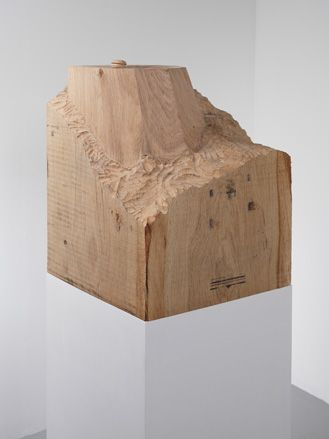 08_Ryan-Gander,-The-way-things-collide-(macaron,-meet-stool),--2012,-Mixed-media,-Courtesy-the-artist-and-Lisson-Gallery.jpg (329×439)