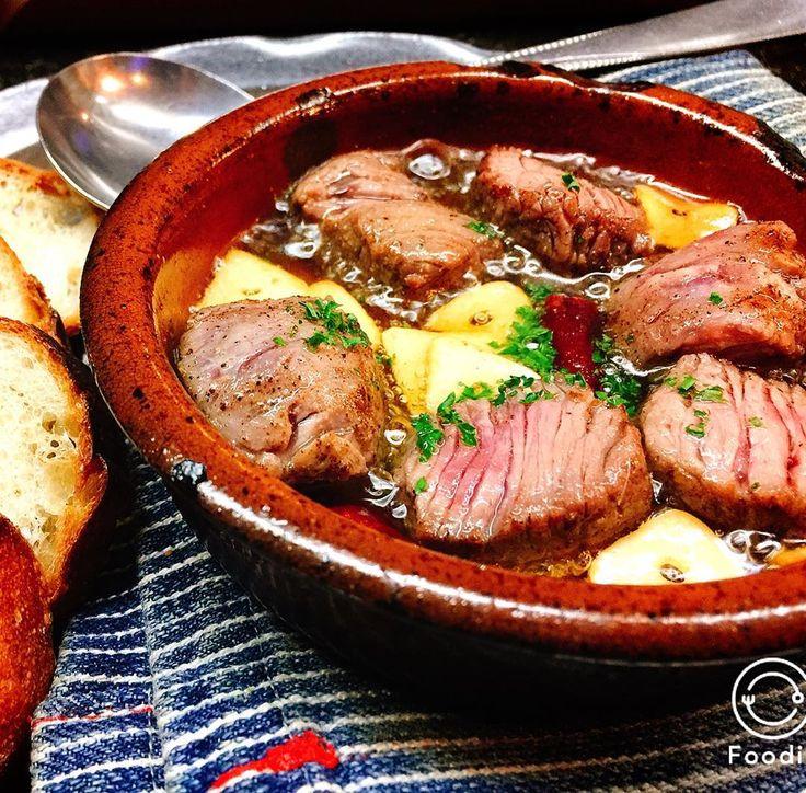 男性ウケ抜群!夕食&おつまみに便利な「がっつり肉系おかず」10選 - LOCARI(ロカリ)
