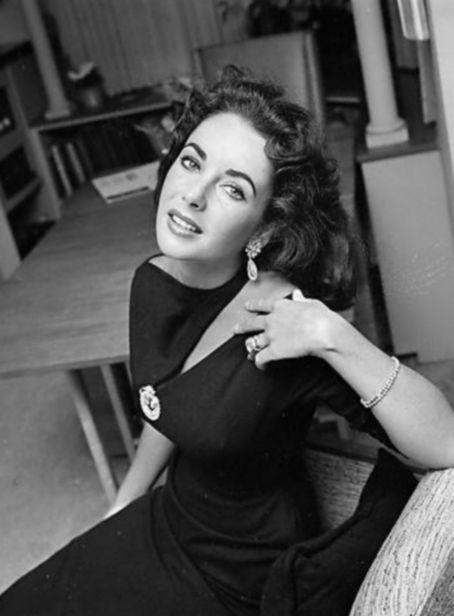 Young Elizabeth Taylor