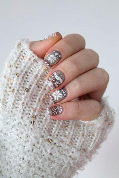 Inspírate en estos diseños de uñas para llevar la Navidad a tus manos. ¡Serás la sensación!
