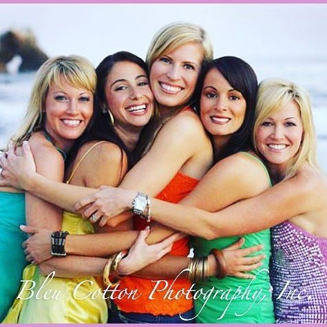Happy National Best Friends Day!! This summer grab your BFF's and lets head to the beach for a fun photoshoot!! DM for details! #bestfriendsday #nationalbffday #bleucottonphotography #newportbeachphotographer #huntingtonbeachphotographer #friends #squadgoals #beach #colorful #stylewithcolor