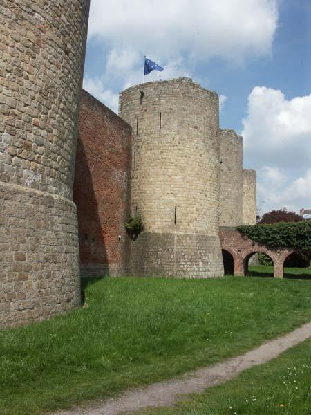 Château de Péronne, XIIIe siècle.