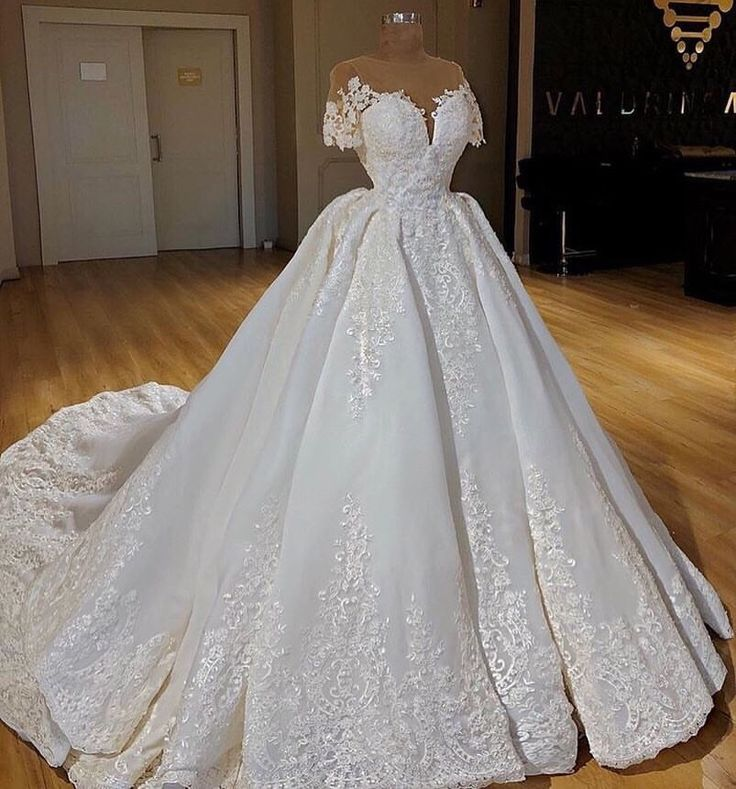 This is my dream wedding dress