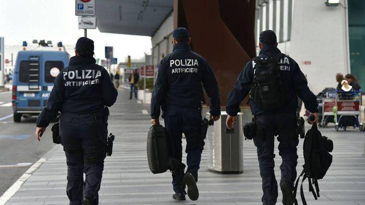 La police italienne a arrêté un Algérien recherché en Belgique étant suspecté d'avoir fourni des faux papiers utilisés par trois des terroristes impliqués dans les attentats de Paris et Bruxelles, rapportent les médias italiens samedi.  Le suspect,...
