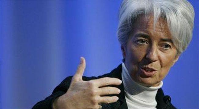 Dün Forbes dergisince dünyanın en güçlü 7. kadını seçilen Fransız IMF başkanı Christine Legarde bugün hakim karşısına çıktı.