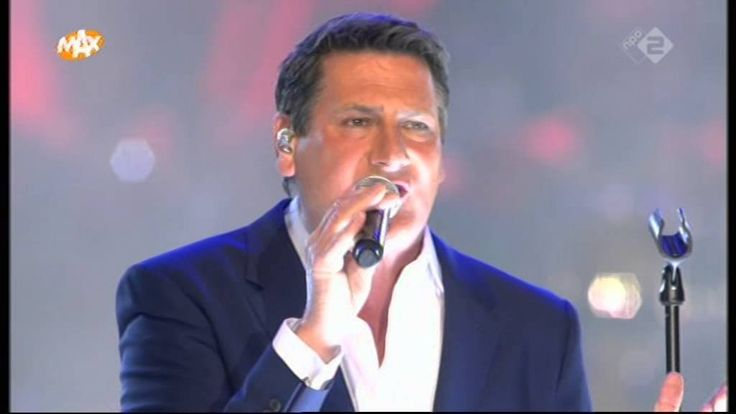 Tony Hadley @ Max Proms 2015 'Through the barricades'