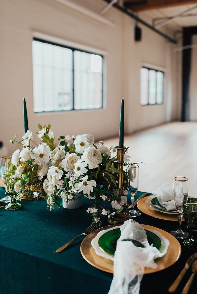 Emerald Gold Wedding Willow Ivy Events Sam Sola Studio