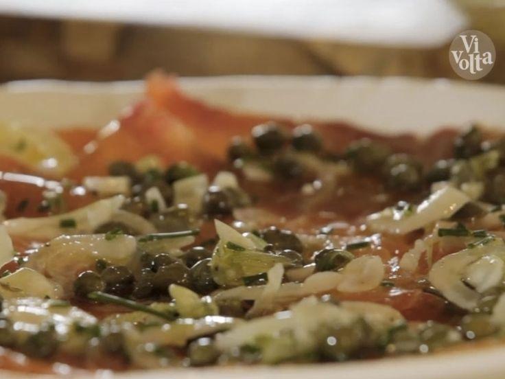 Voici un plat où tout se prépare 48h à l'avance, pensez-y ! Les rondelles de betterave sont là pour apporter de la couleur au saumon mais vous ne la sentirez pas. Vous pouvez aussi accompagner ce plat de pommes de terre à la vapeur.