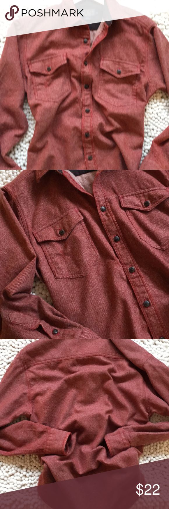 Pendleton Woolen Mills Cascade Button Up Shirt Great condition size m 31 inches long 21 inch chest 23 inch sleeve buttons up the front two pockets on the front no rips no tears no stains non-smoking environment💕 Pendleton Shirts