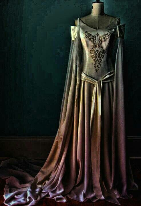 25 best ideas about celtic dress on pinterest medieval for Elven inspired wedding dresses