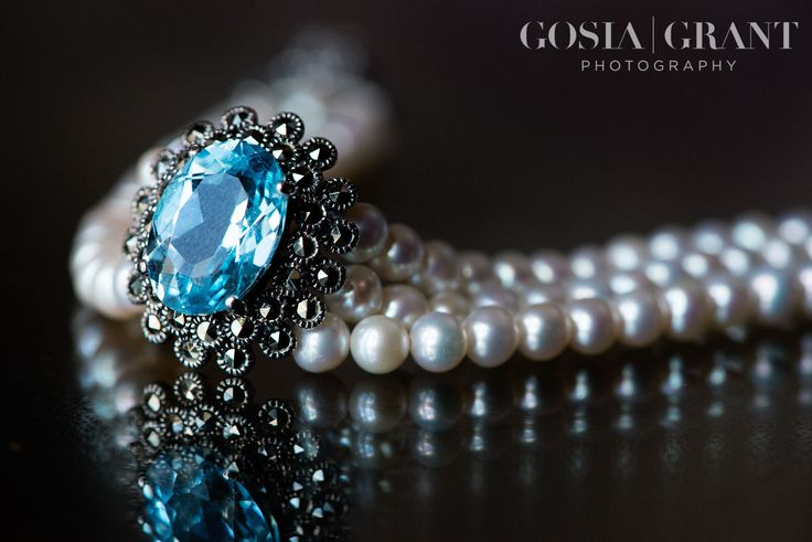 Matt & Suzanne wedding at Rockingham Castle, Northamptonshire. Wedding bracelet. Wedding present. Wedding pearls.