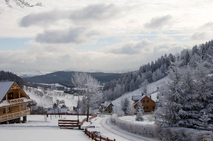 Widok z Przełęczy Sokolej na Kotlinę Kłodzką.