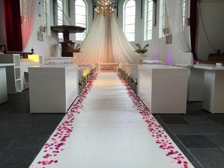 Bruiloft in de Buiksloterkerk, Amsterdam. Voor meer informatie neem contact op met Marie Aubain Events.  020-6693819 info@marieaubain.nl