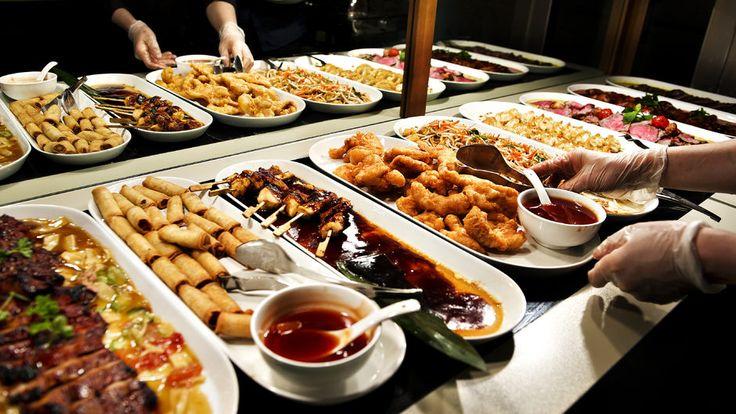 App'en Too Good To Go vil forsøge at mindske madspildet ved, at restauranterne kan sælge deres overskudsmad sidst på aftenen.