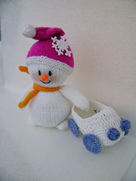 Вязаный снеговик спицами.: