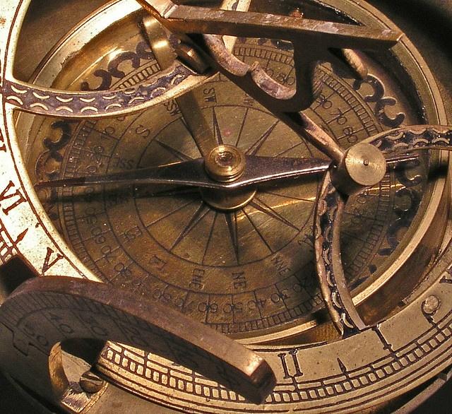 Sundial compass