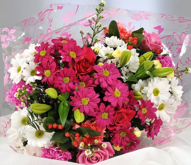 Top Flower Shop In Uae For Online Bouquet Delivery Flowers Delivered Fresh Flower Bouquets Mothers Day Flowers