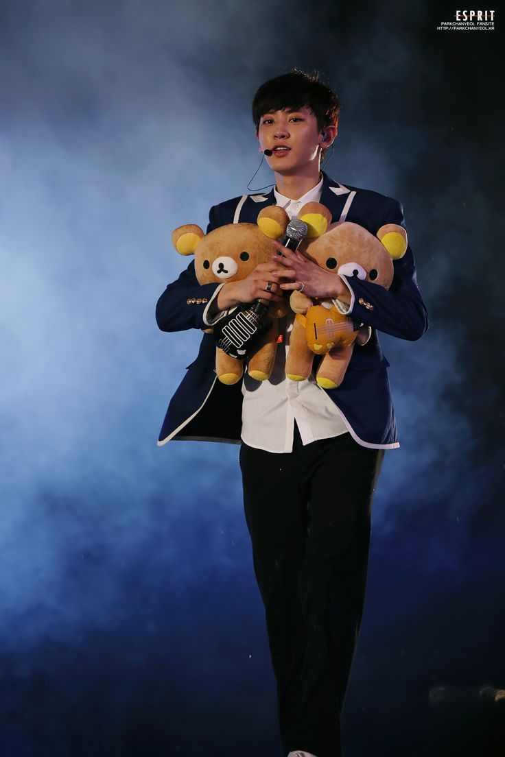 Chanyeol and his bears ♥♥
