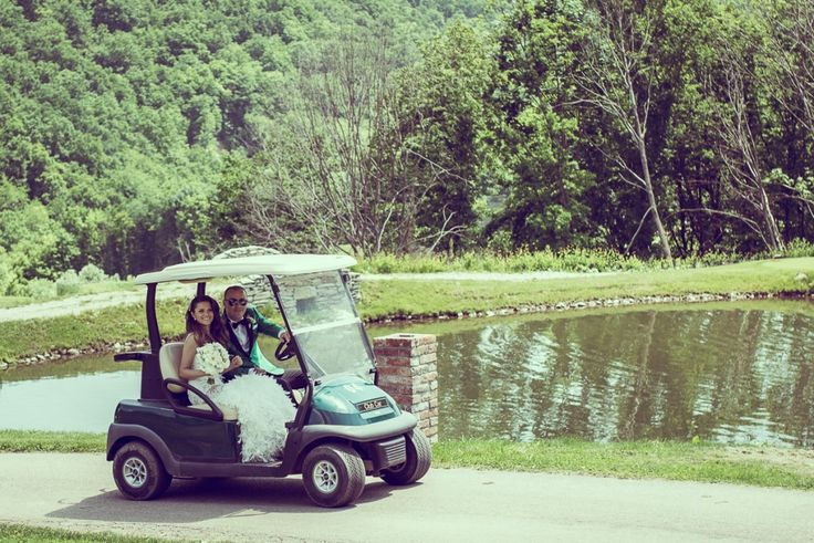 Vintage Modern Photography   Rares Sebeni | desebeni.  Sun Garden Wedding Cluj, Bride and groom in golf cart