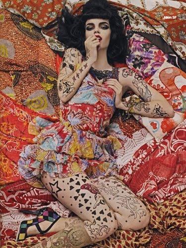 one of my favorite shoots... Steven Meisel Magazine: Vogue Italia, December 2007