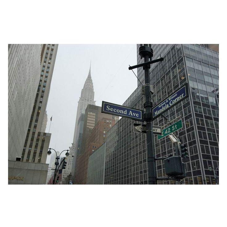 NYも残り2日帰りたくない 時差ぼけなのか毎日早朝から目覚める笑  振り返り 1日目 まさかのNY雪 思ってたより寒くない  #ホテルからすぐの景色 #ニューヨーク旅行  #newyork  #女子一人旅  #42st  #2ndave #クライスラービル by domedomedo