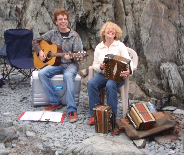 Traditional Music at the Three Sisters