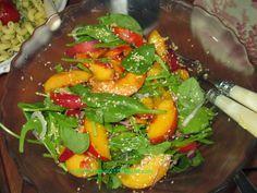 Nektarinen-Zuckererbsen-Salat  mit Sesamdressing.   Als wir uns zum #twitterkocht  verabredeten und das angekündigte Paket von 3Glocken ei...