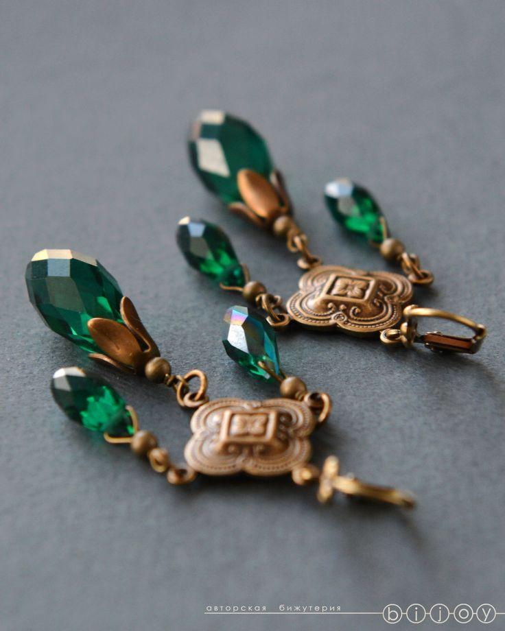 Купить Серьги длинные в винтажном стиле «Королевский изумруд» - зеленый, изумрудный, изумрудные серьги