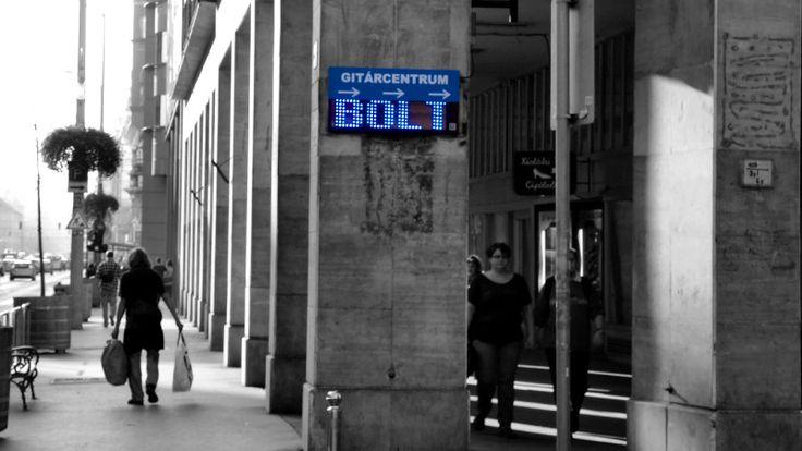 Válasszon stílusos LED táblát üzlete reklámozására, és dobja fel vállalkozása arculatát!  http://www.latnifogod.hu/