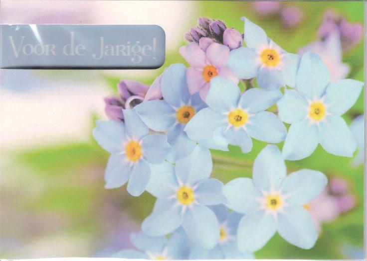 Verjaardagskaart met bloemetjes uit de tuin