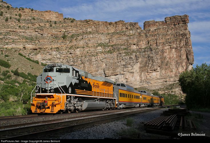 RailPictures.Net Photo: UP 1989 Union Pacific EMD SD70ACe at Helper, Utah by James Belmont